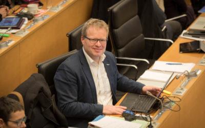Philippe Henry propose la création d'une cellule pour anticiper les restructurations d'entreprises