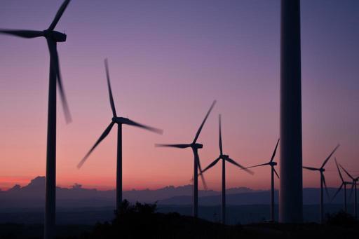Conditions sectorielles des éoliennes: le Ministre confirme l'échéance du dossier à Philippe Henry