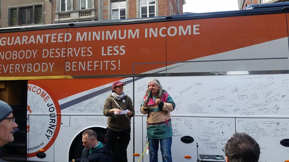 Bus Tour à Namur: Stéphane Hazée présent pour «défendre un revenu minimum décent et plus pour chacun-e» !