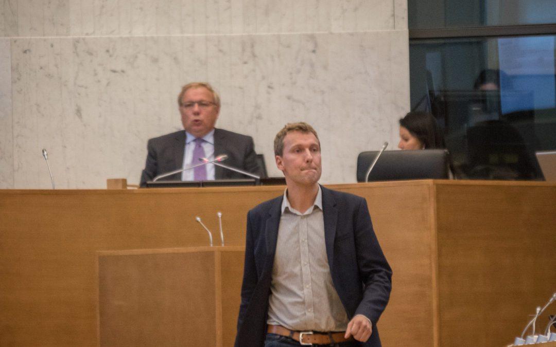 Matthieu Daele interpelle la Ministre Greoli sur le manque de budget pour les personnes de grande dépendance